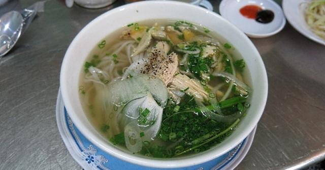 Pho Ga – Vietnamese Chicken Noodle Soup