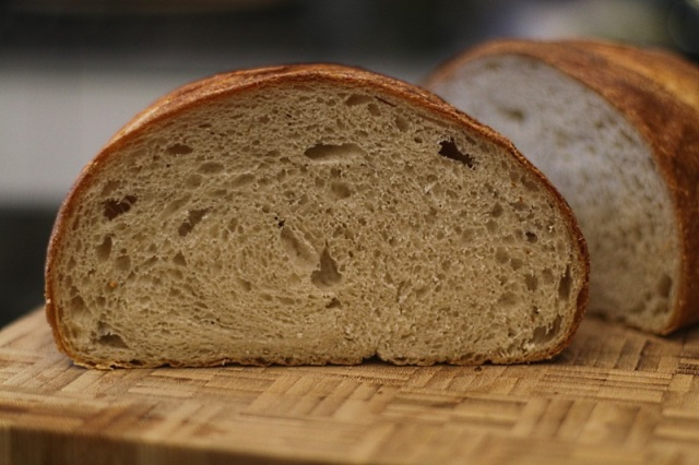 An easy bloomer loaf with loose crumb from using a pizza stone