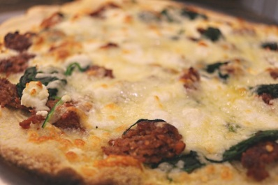 Moroccan Lamb Goats Cheese And Spinach Pizza The Cooks