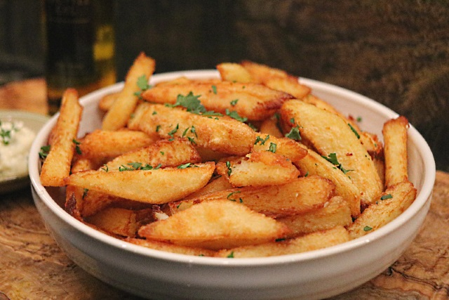 Truffle and parsley chips