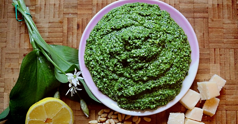 Wild garlic leaf pesto sauce with some of the ingredients