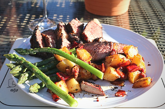 Dining al fresco with marrowbone glazed steak, potatoes and asparagu
