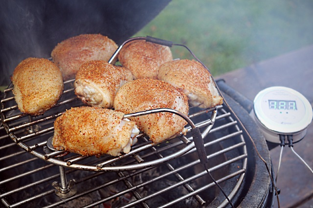 Cooking chicken thighs to perfection with a temperature probe