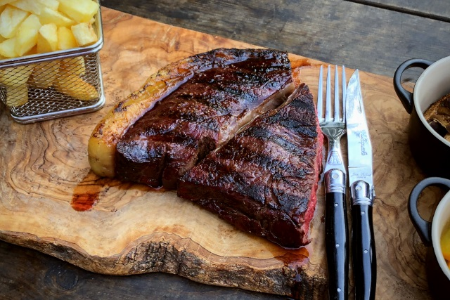 Rump steak cooked clean caveman style