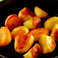 Crispy Roast Potatoes in the Big Green Egg